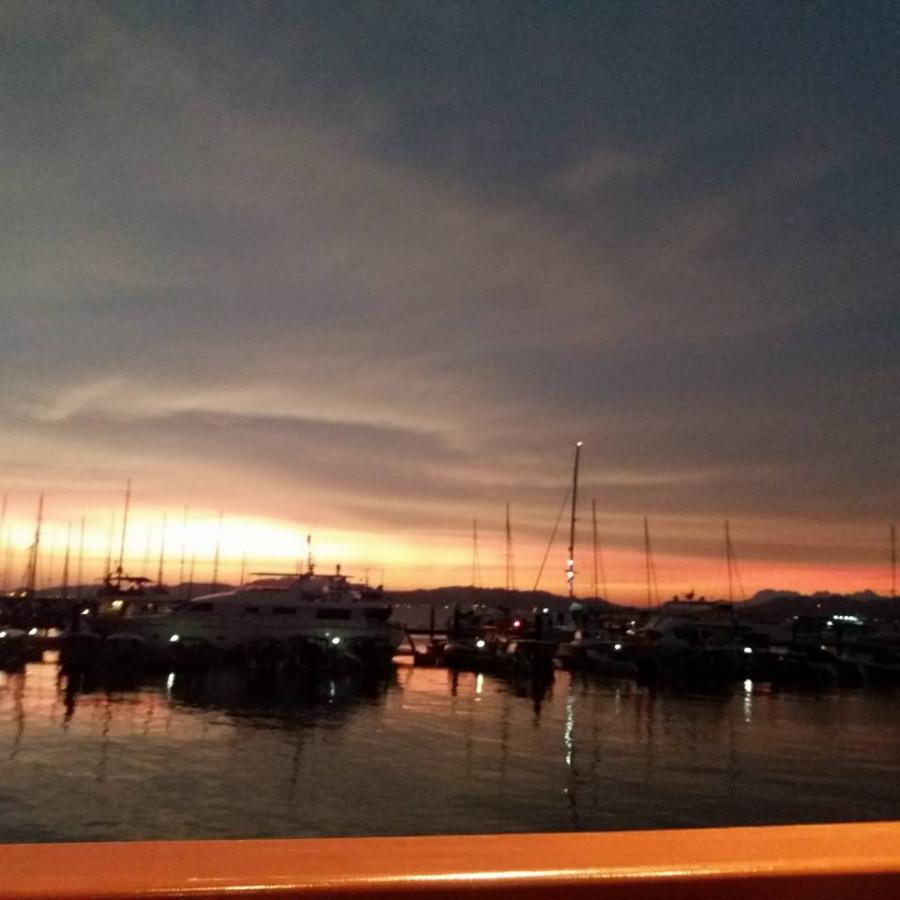 sunsetyachtclub